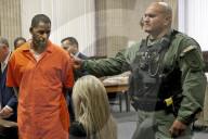 PEOPLE - R. Kelly in Missbrauchsprozess verurteilt