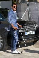 PEOPLE - Roger Federer besucht an Stöcken die Paris Fashion Week