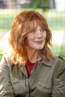PEOPLE - Julianne Moore auf dem Filmset von 'Sharper'