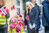 ROYALS - Kronprinz Haakon und Kronprinzessin Mette-Marit von Norwegen besuchen Viken