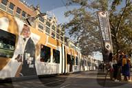 """NEWS - ZFF: Zurich Film Festival - Ein Tram wirbt für """"No Time To Die"""""""