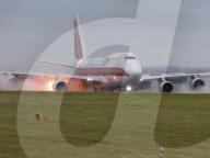 NEWS - Triebwerksbrand bei einer Boeing 747 bei der Landung auf dem East Midlands Airport
