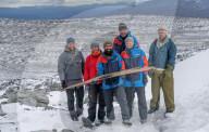 FEATURE - Norwegische Archäologen entdecken einen 1300 Jahre alten Skier im Eis