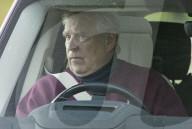 ROYALS - Prinz Andrew steuert seinen Wagen in der Nähe von Schloss Windsor