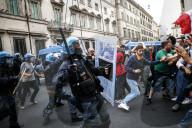 NEWS - Coronavirus: No Green Pass Proteste in Rom