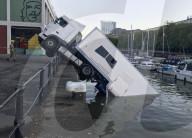 FEATURE - Treffer, versenkt: Ein Laster im Hafenbecken von Bristol
