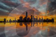 FEATURE - Good Morning, New York City: Herbstlicher Sonnenaufgang über der Skyline von Manhattan